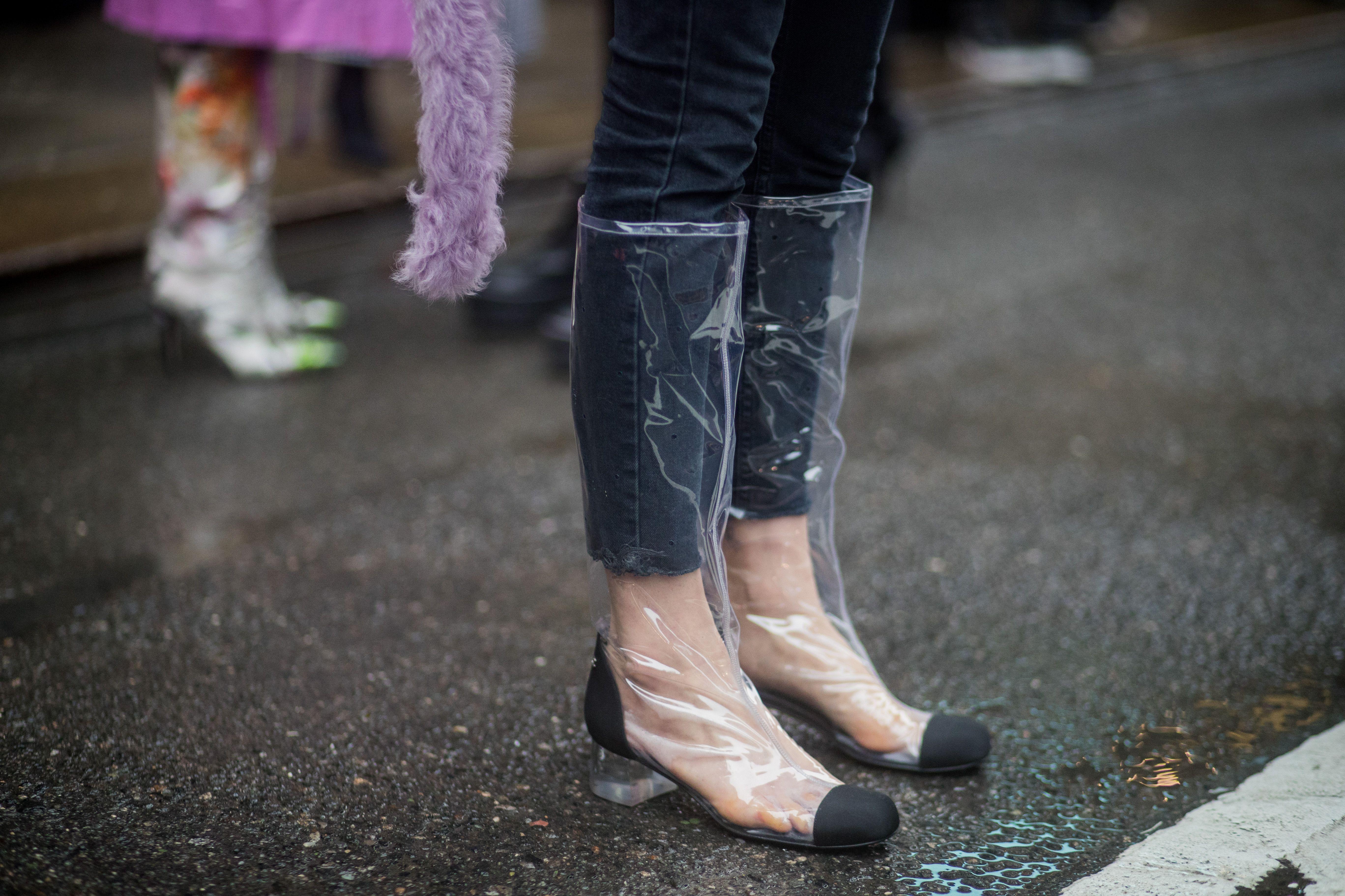 62f8f047ca7 We Love Plastic Shoes