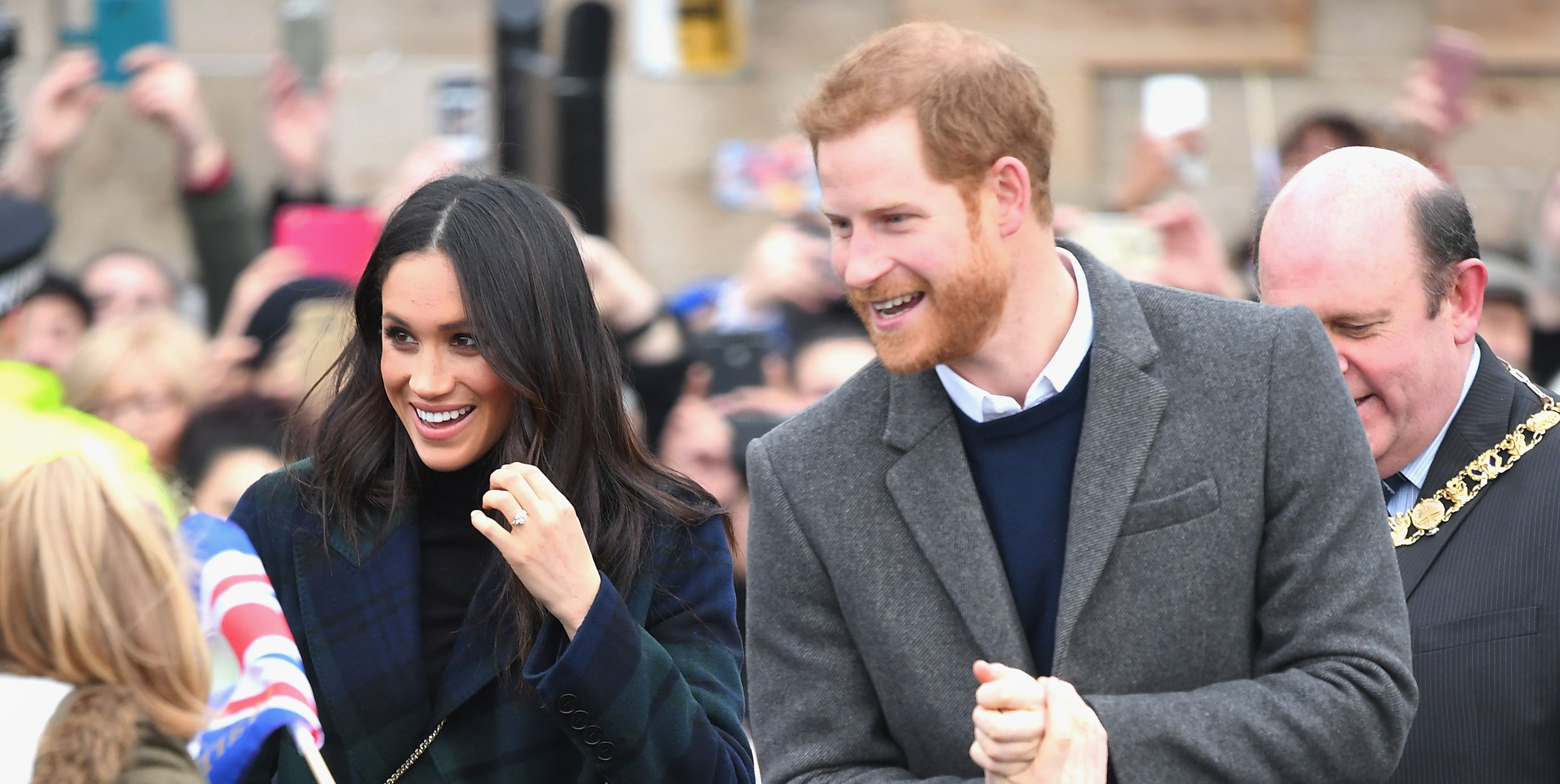 Meghan Markle Wears a Gorgeous Tartan Coat for her Edinburgh, Scotland Visit