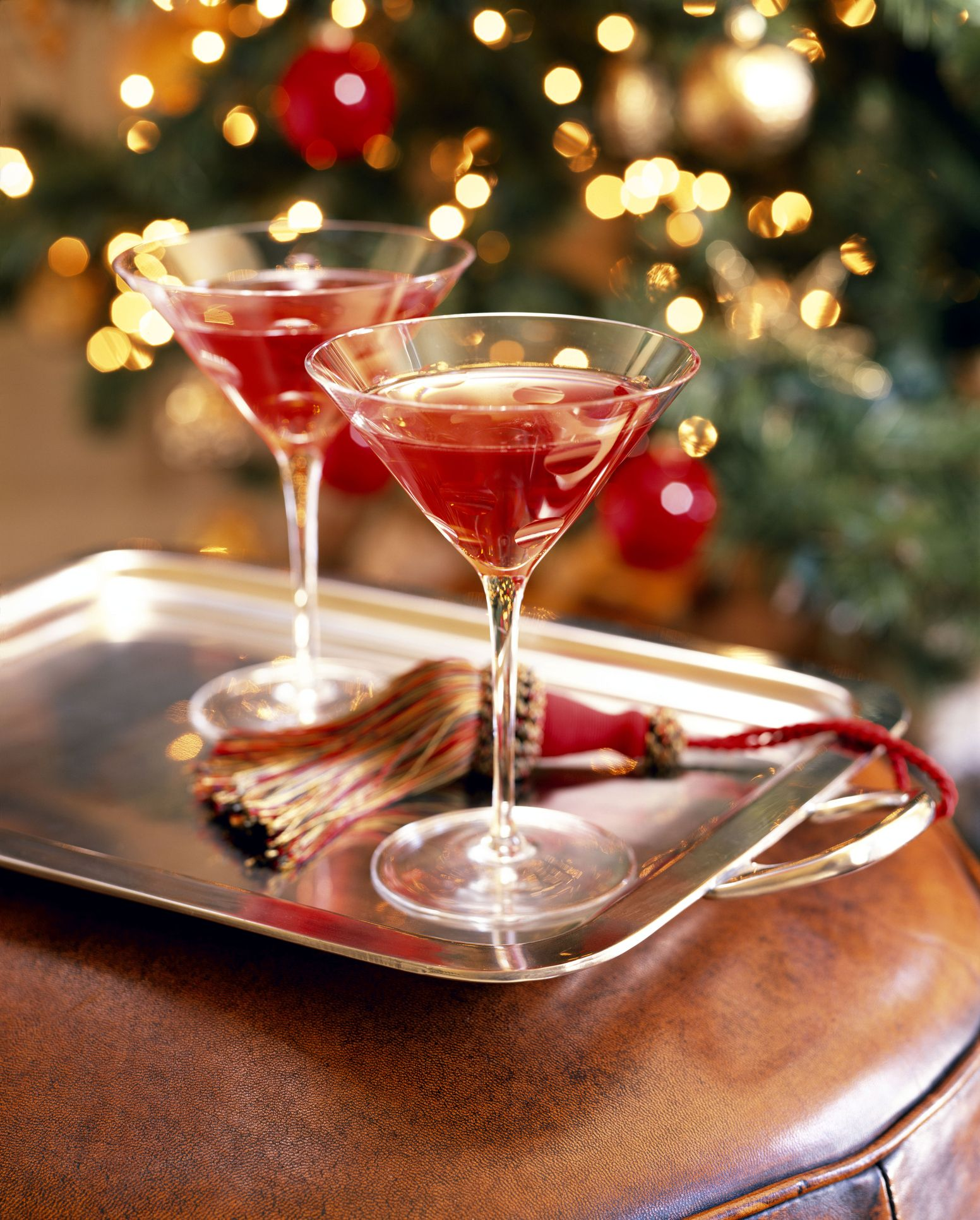 10 Best Non Alcoholic Christmas Drinks - Fun Holiday Mocktail Ideas