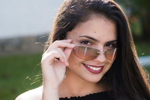 Eyewear, Face, Hair, Glasses, Lip, Facial expression, Skin, Eyebrow, Beauty, Smile,