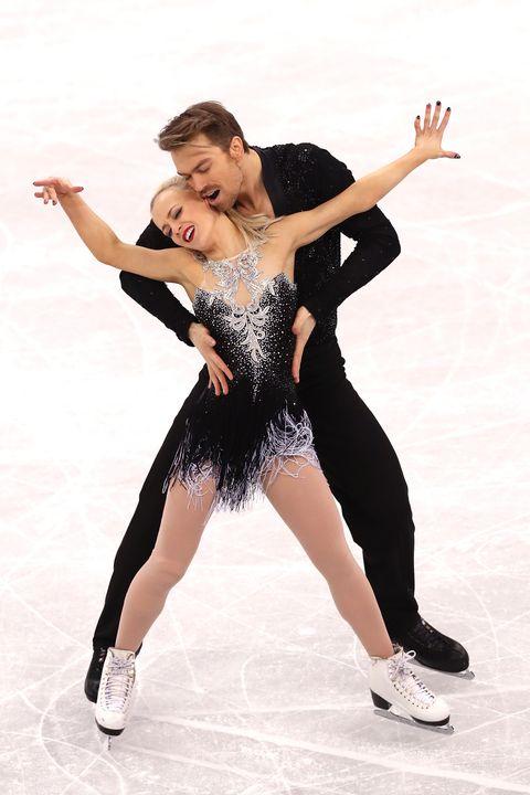 Figure skate, Ice dancing, Figure skating, Ice skating, Skating, Dancer, Recreation, Jumping, Ice skate, Athletic dance move,