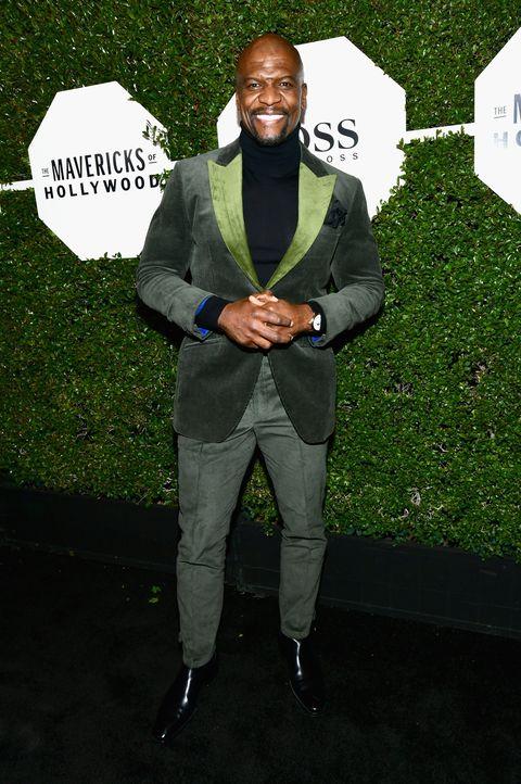 Suit, Formal wear, Blazer, Fashion, Outerwear, Pantsuit, Tuxedo, Jacket, Photography, Shoe,