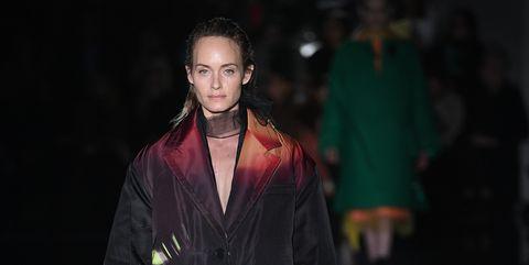 Fashion, Runway, Fashion show, Green, Fashion model, Fashion design, Outerwear, Human, Event, Haute couture,