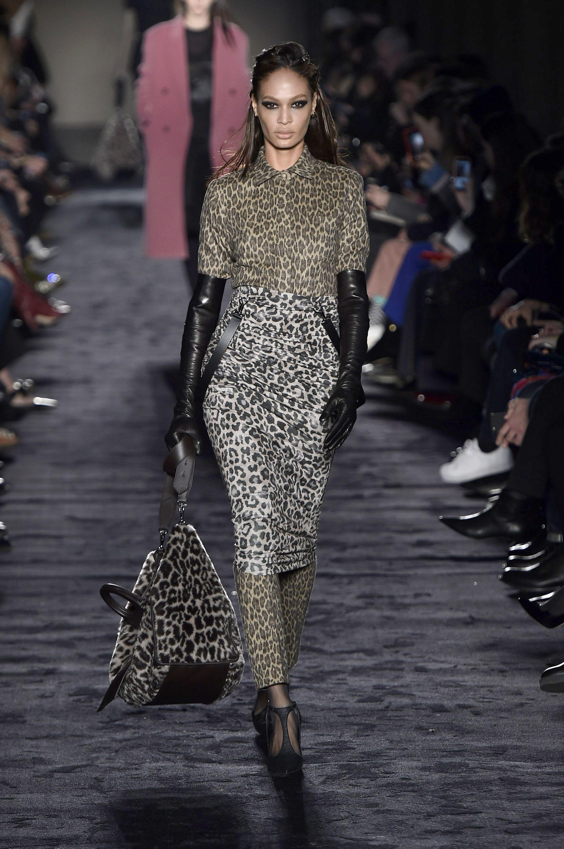fa24677181 30  80s Fashion Trends Making a Comeback - Nostalgic  80s Trends Now