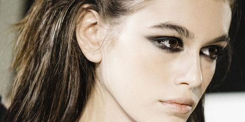 8f8de4a3956a Just A Super Useful Guide To Nailing The Perfect Smokey Eye