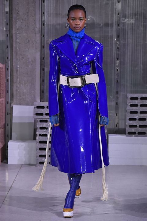 Fashion, Cobalt blue, Blue, Clothing, Electric blue, Fashion show, Haute couture, Runway, Fashion model, Fashion design,