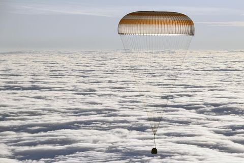 Astronauts cosmonauts return from ISS