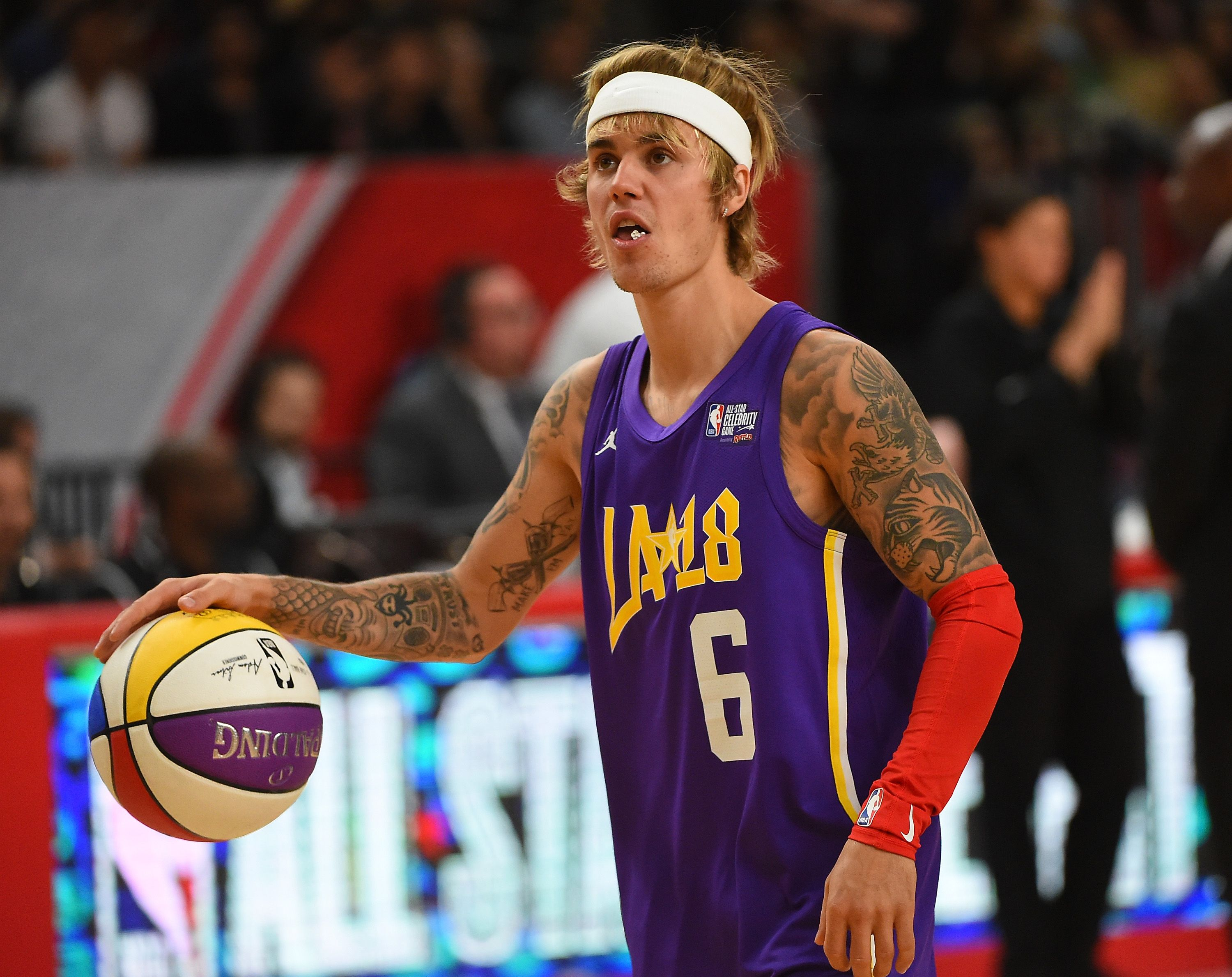 833f31deb9fc0 So this is what Justin Bieber's face tattoo actually says
