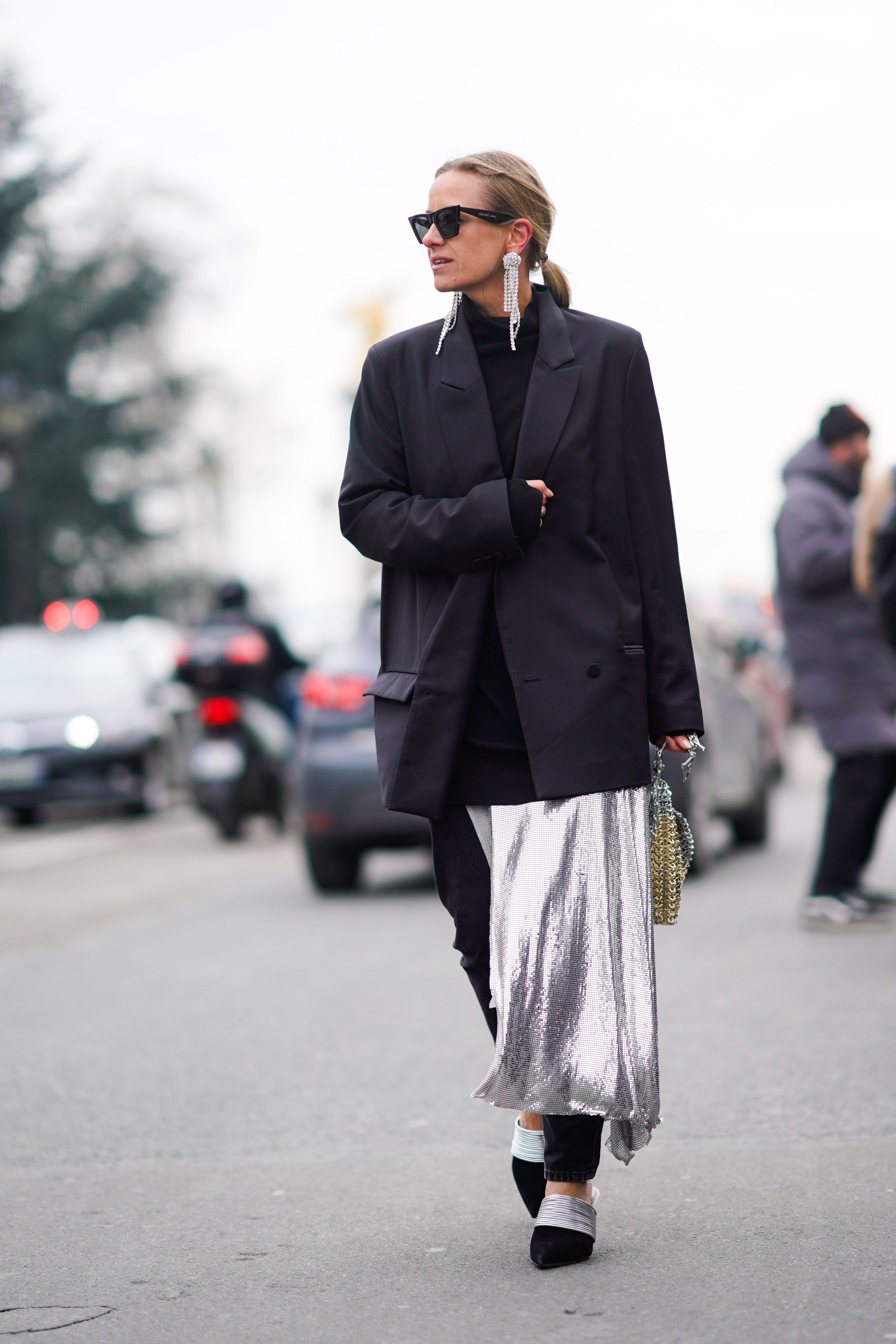 37 formas de llevar una americana negra- Americana negra  así se lleva la  prenda con más estilo 3a78b0fe56c