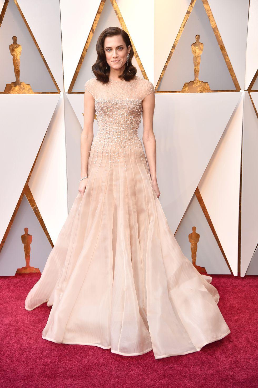 Los looks de la alfombra roja de los Premios Oscar 2018 que podrían ser looks de novia.