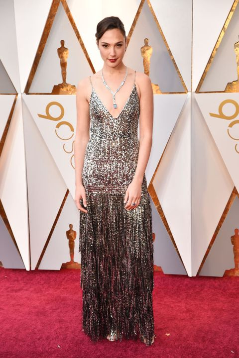 Red carpet, Carpet, Dress, Clothing, Fashion, Flooring, Gown, Haute couture, Hairstyle, Fashion model,