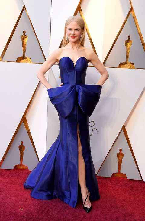 Cobalt blue, Red carpet, Carpet, Clothing, Dress, Flooring, Blue, Gown, Fashion, Electric blue,