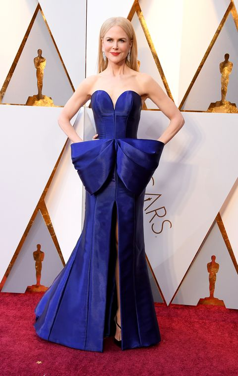 Red carpet, Cobalt blue, Carpet, Clothing, Dress, Gown, Flooring, Blue, Fashion, Strapless dress,