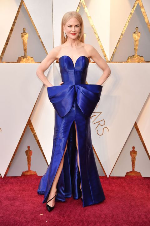 Red carpet, Cobalt blue, Carpet, Dress, Clothing, Blue, Flooring, Gown, Fashion, Electric blue,