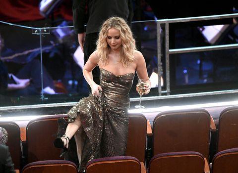 Performance, Fashion, Thigh, Event, Leg, Blond, Performing arts, Dress, Singer, Music artist,