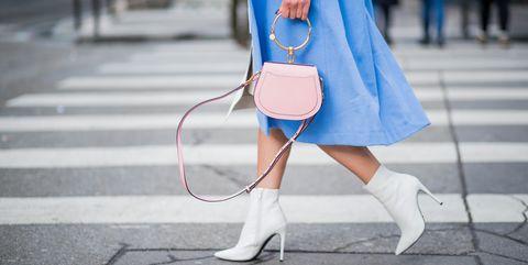 Street Style : Paris Fashion Week Womenswear Fall/Winter 2018/2019 : Day Six