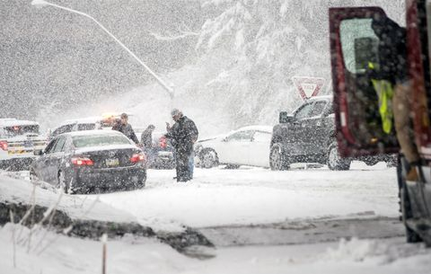 Snow, Winter storm, Blizzard, Winter, Geological phenomenon, Freezing, Vehicle, Event, Car, Rain and snow mixed,