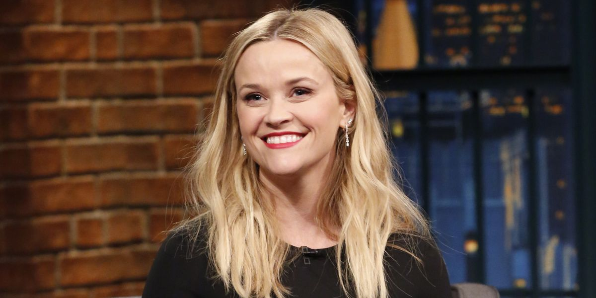 Reese Witherspoon S Dramatic Hair Makeover Cut Off All Her Hair Into A Bob