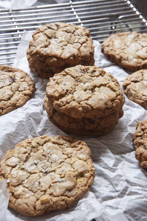 Dish, Food, Cuisine, Cookies and crackers, Baking, Baked goods, Ingredient, Anzac biscuit, Snack, Gluten,