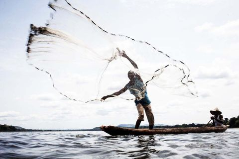 CAFRICA-CONFLICT-REFUGEE-FISHING