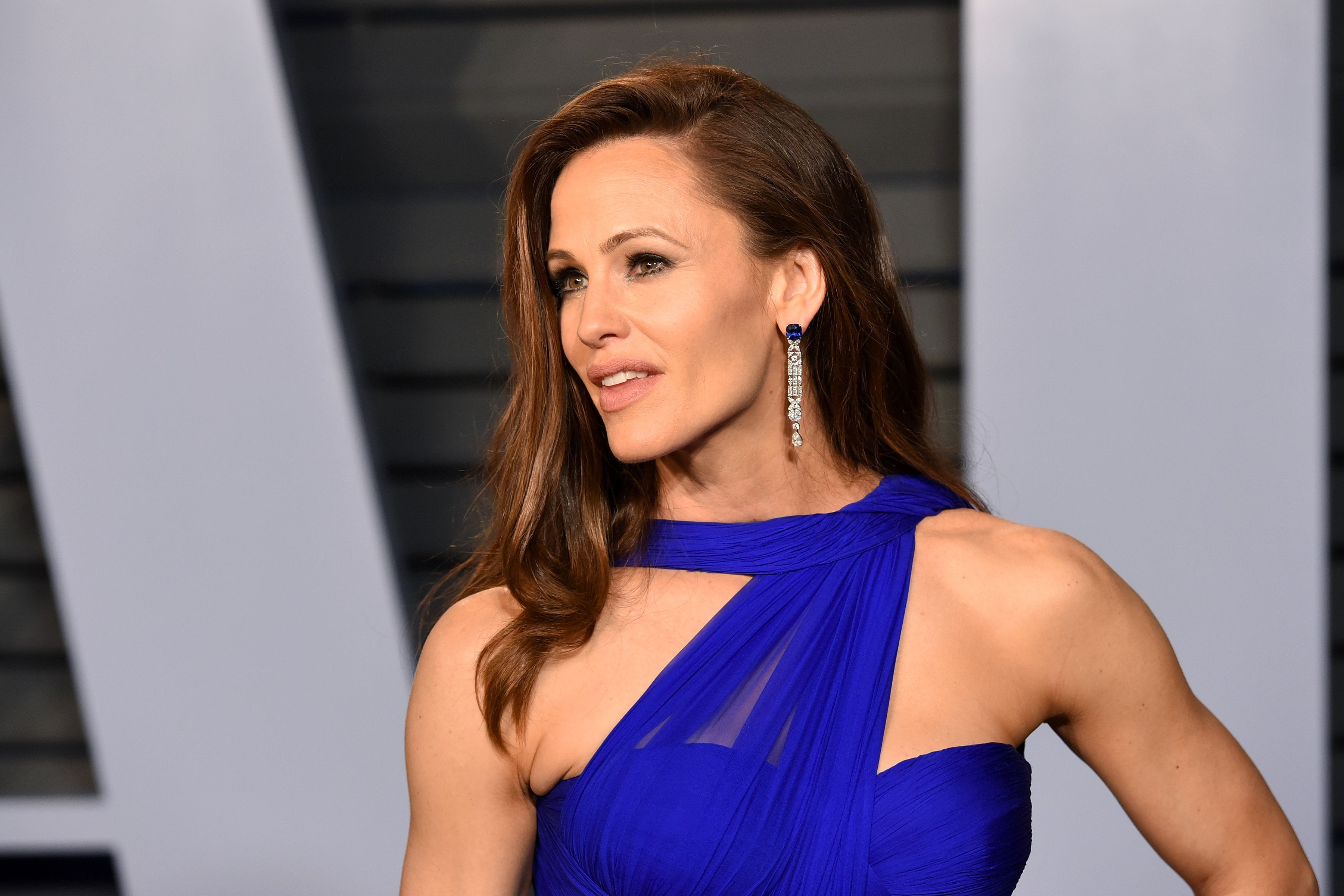 Jennifer Garner Says This 7 Facial Sunscreen Keeps Her Looking Young