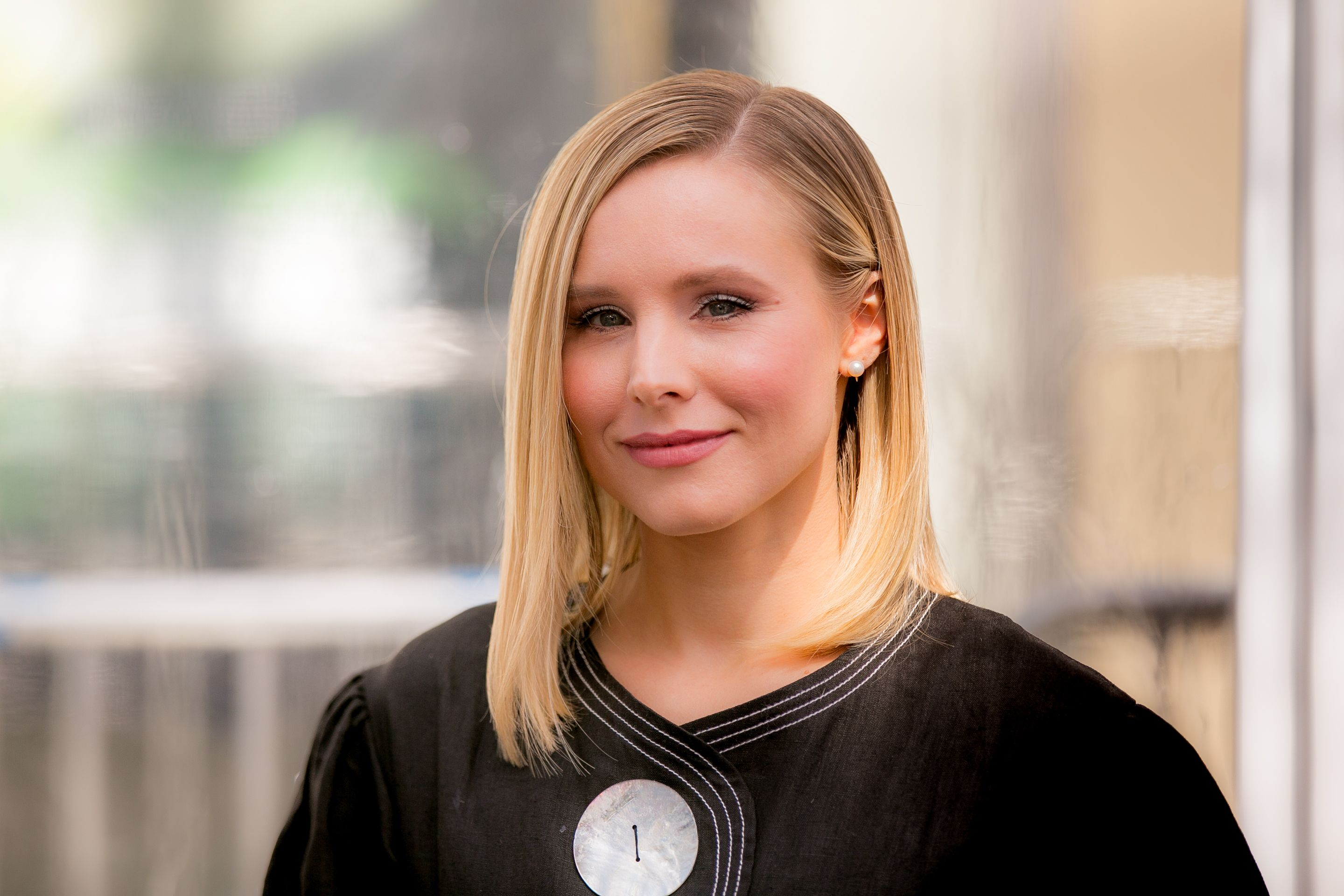 Kristen Bell Uses This Controversial Parenting Hack to Put Her 3-Year-Old to Bed