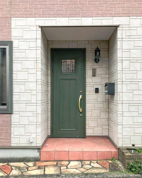 Door, Brick, Brickwork, Wall, Property, Building, Home door, Architecture, House, Window,