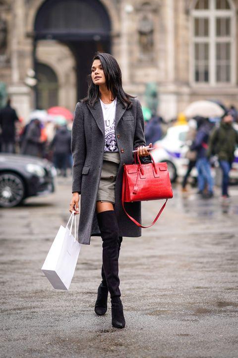 Street Style : Paris Fashion Week Womenswear Fall/Winter 2018/2019 : Day Five