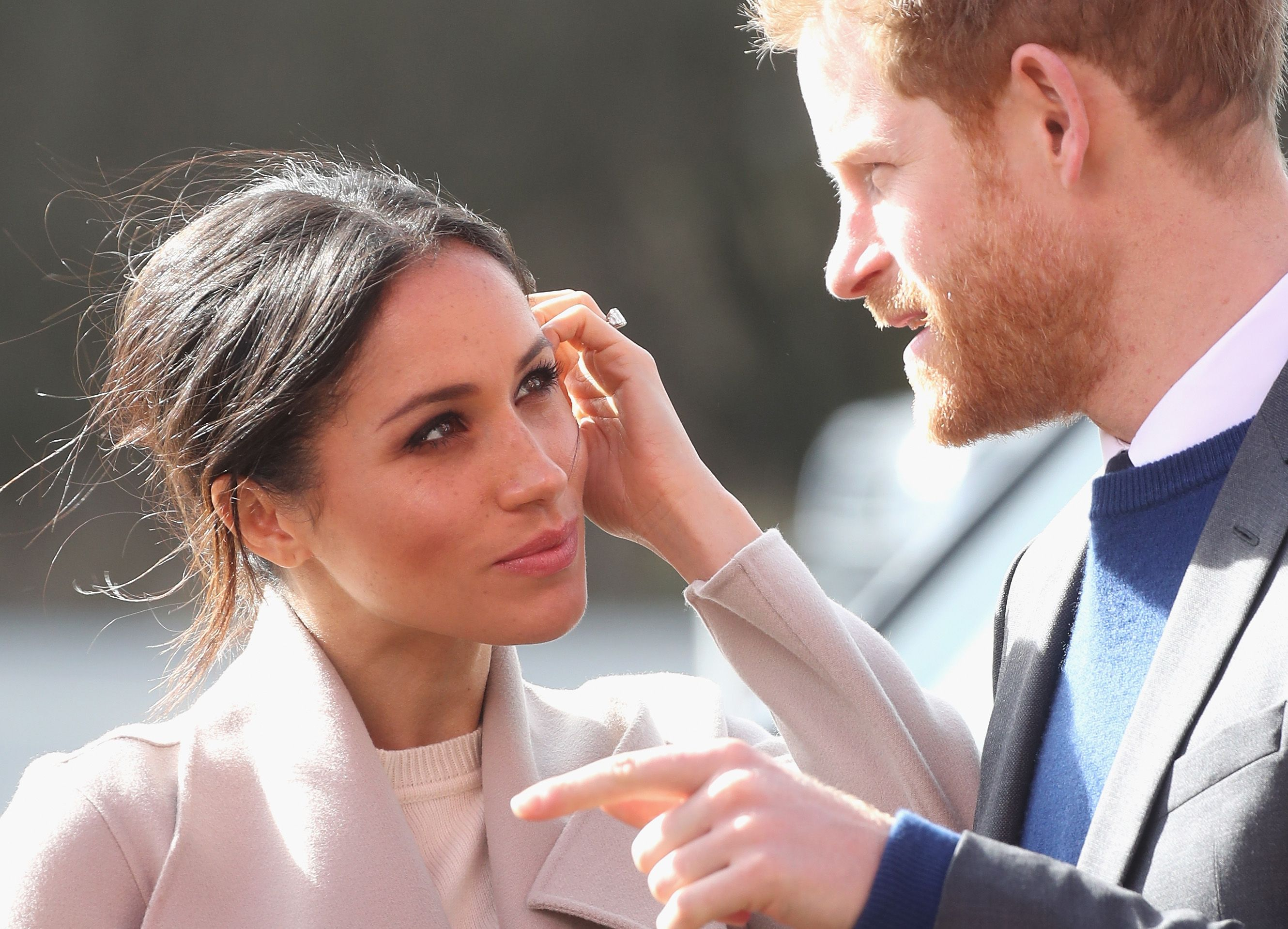 images Prince Harry visited Meghan Markle on the set of Suits