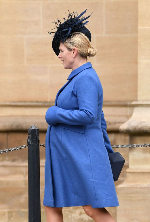 Blue, Cobalt blue, Clothing, Fashion, Standing, Electric blue, Outerwear, Robe, Street fashion, Coat,
