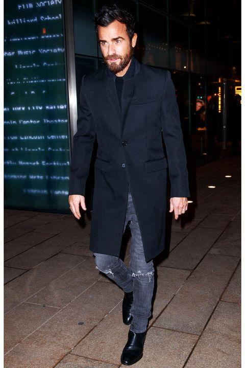 Suit, Clothing, Formal wear, Blazer, Outerwear, Tuxedo, Fashion, Footwear, Coat, Street fashion,