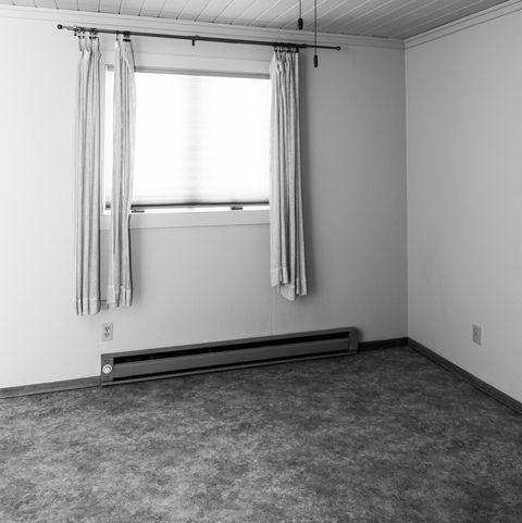 Empty Unfurnished Bedroom