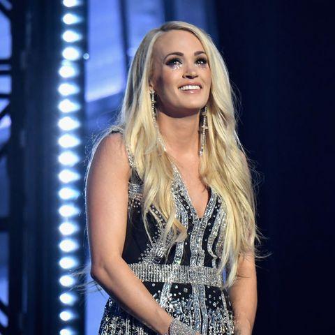 Face, Performance, Music artist, Blond, Beauty, Long hair, Fashion, Singing, Singer, Talent show,