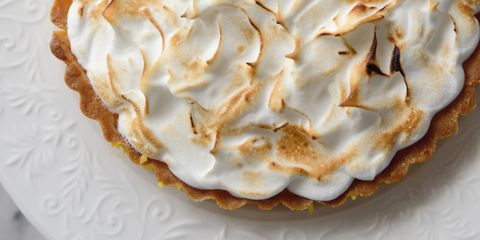 Dish, Food, Cuisine, Meringue, Baked alaska, Cream pie, Dessert, Ingredient, Buttercream, Baked goods,