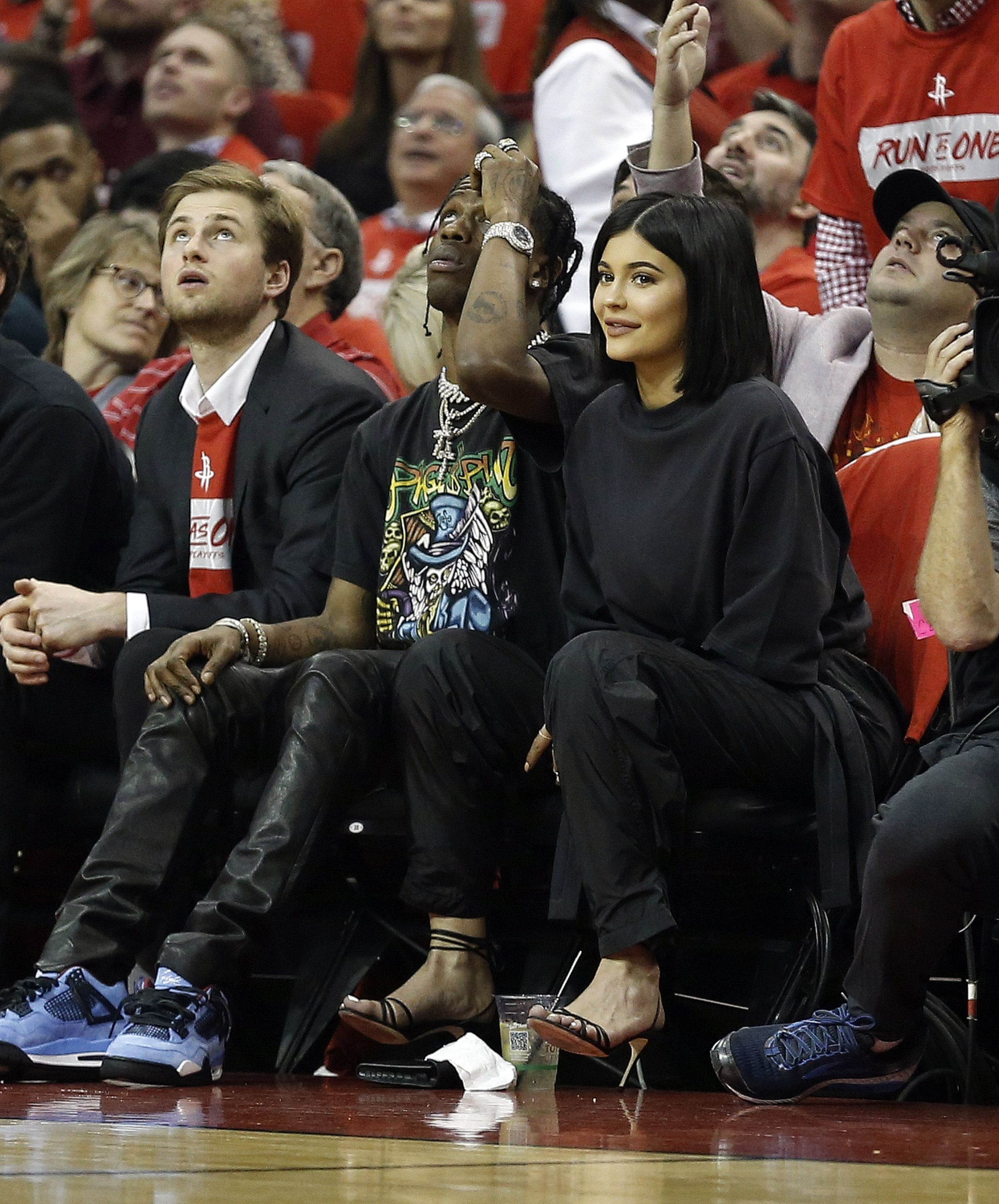 Kylie Jenner And Travis Scott Spotted Courtside At Basketball Game Kylie Jenner And Travis Scott Go On Date At Houston Rockets Game