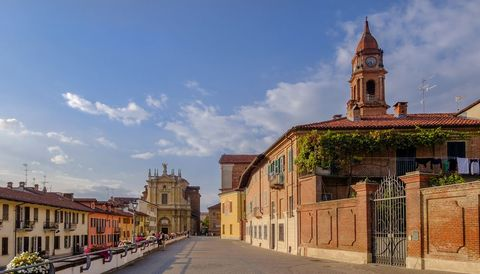 Bra, town in the province of Cuneo, Piedmont, northern Italy