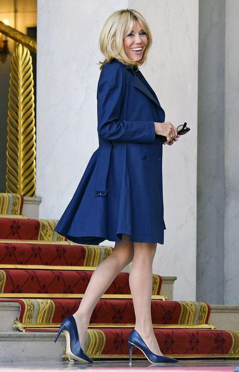 Cobalt blue, Clothing, Blue, Electric blue, Footwear, Fashion, Dress, Street fashion, Yellow, Outerwear,
