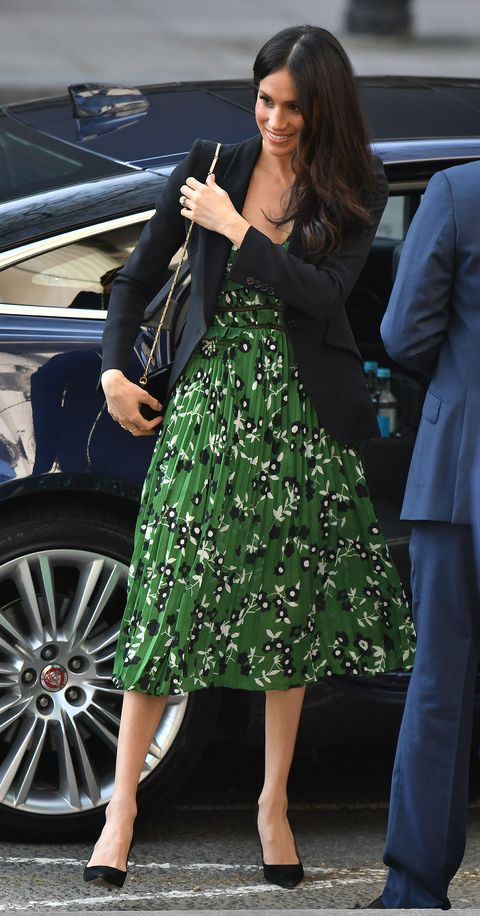 06c16c326c55 Meghan Markle Wears Green Self-Portrait Dress at the Sydney Invictus ...