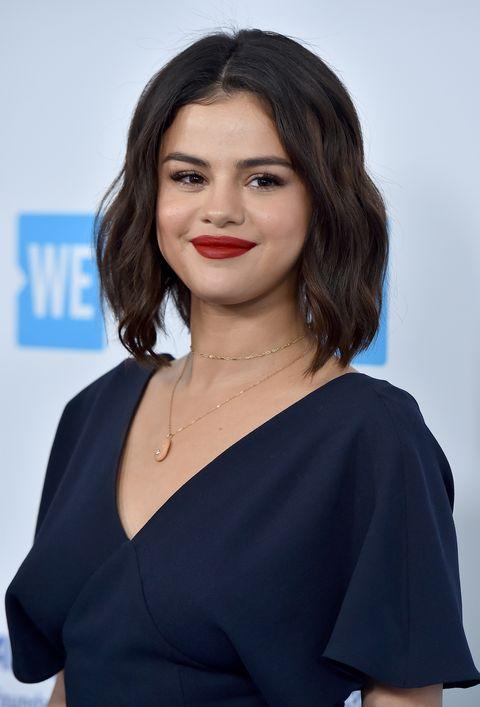 Hair, Face, Hairstyle, Shoulder, Lip, Eyebrow, Beauty, Chin, Black hair, Long hair,