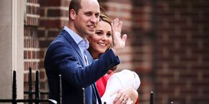 Prince William Kate Middleton Royal Baby waving hospital