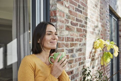 Facial expression, Green, Yellow, Smile, Window, Happy, Photography, Vacation, Glass, Plant,