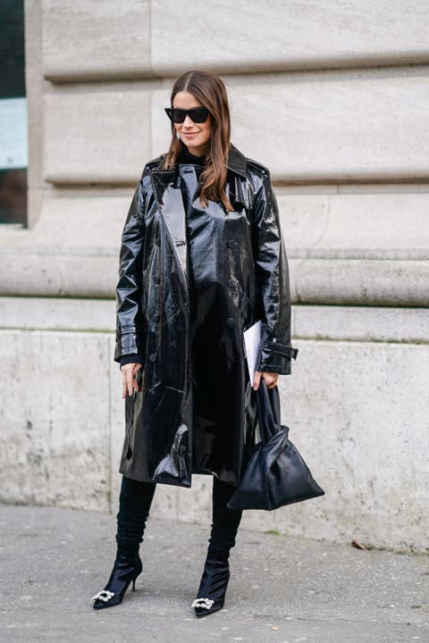Clothing, Street fashion, Leather, Fashion, Leather jacket, Coat, Jacket, Outerwear, Footwear, Snapshot,