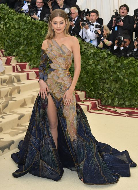 Gigi hadid wears versace to the 2018 met gala image altavistaventures Images