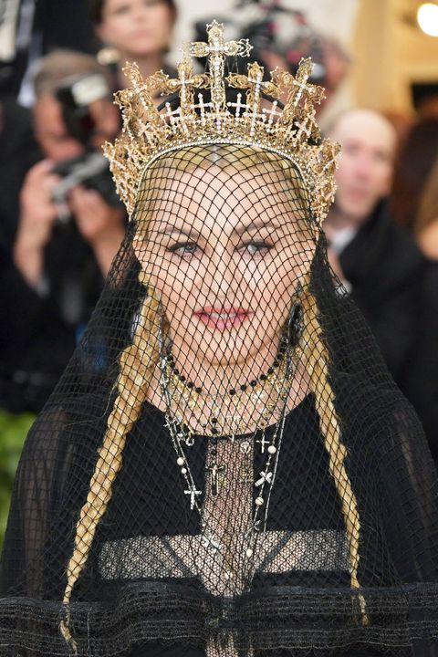 Headpiece, Head, Fashion, Crown, Forehead, Headgear, Hair accessory, Fashion accessory, Tradition, Photography,