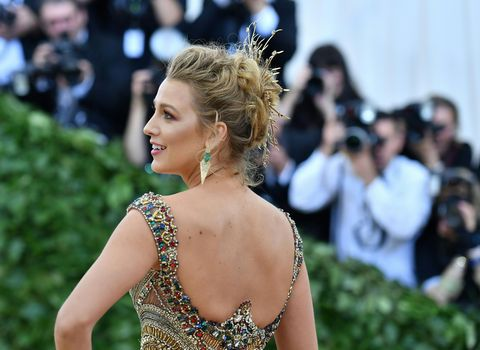Hair, Shoulder, Hairstyle, Beauty, Dress, Fashion, Premiere, Event, Joint, Red carpet,