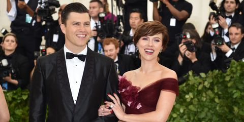 Red carpet, Carpet, Dress, Formal wear, Facial expression, Flooring, Event, Gown, Suit, Premiere,