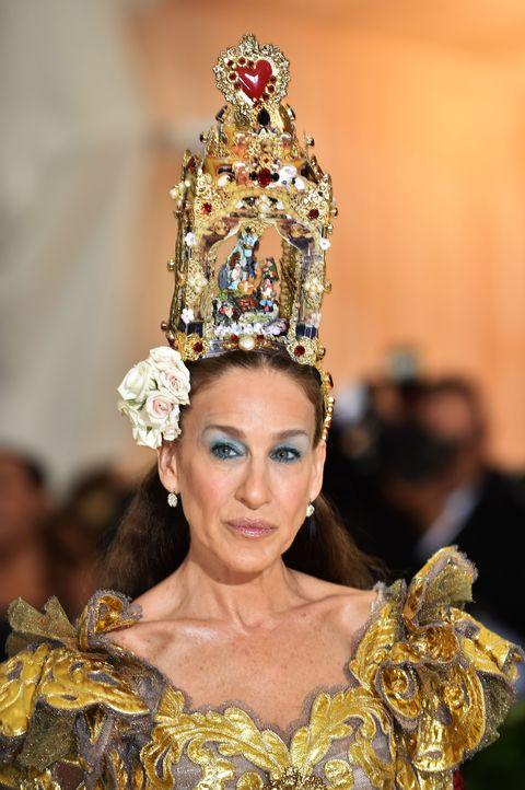 Crown, Headpiece, Fashion, Beauty, Hair accessory, Fashion accessory, Headgear, Tradition, Jewellery, Event,
