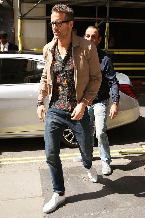 Jeans, Clothing, Street fashion, Fashion, Denim, Snapshot, Footwear, Eyewear, Cool, Sunglasses,