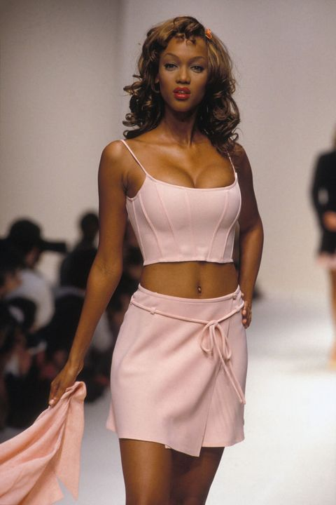 Fashion model, Fashion show, Clothing, Fashion, Runway, Model, Waist, Beauty, Skin, Shoulder,