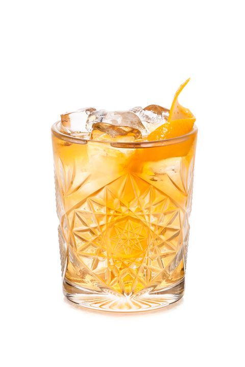 Drink, Sour, Whiskey sour, Mizuwari, Old fashioned glass, Alcoholic beverage, Old fashioned, Rusty nail, Distilled beverage, Highball glass,